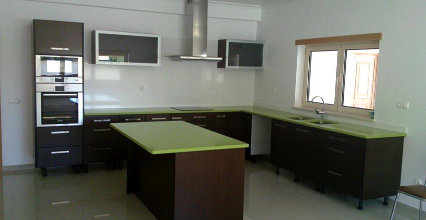 Plan de travail en quartz silestone vert fun for Plan de travail vert